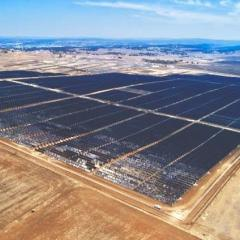 The University of Queensland's 78 megawatt solar farm at Warwick.